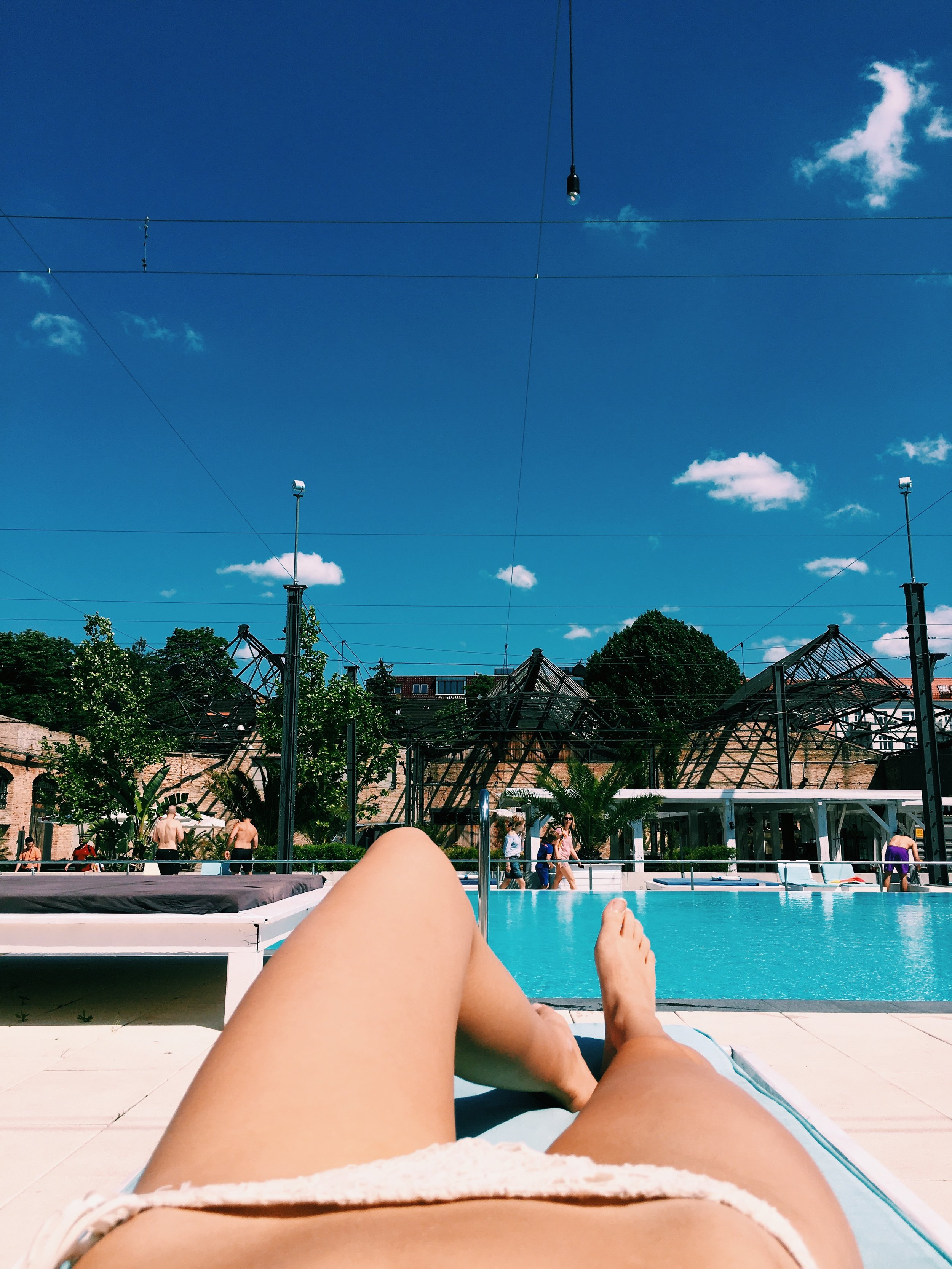 Haubentaucher - coolest location to go on a sunny day: bar and night club with the prettiest pool area