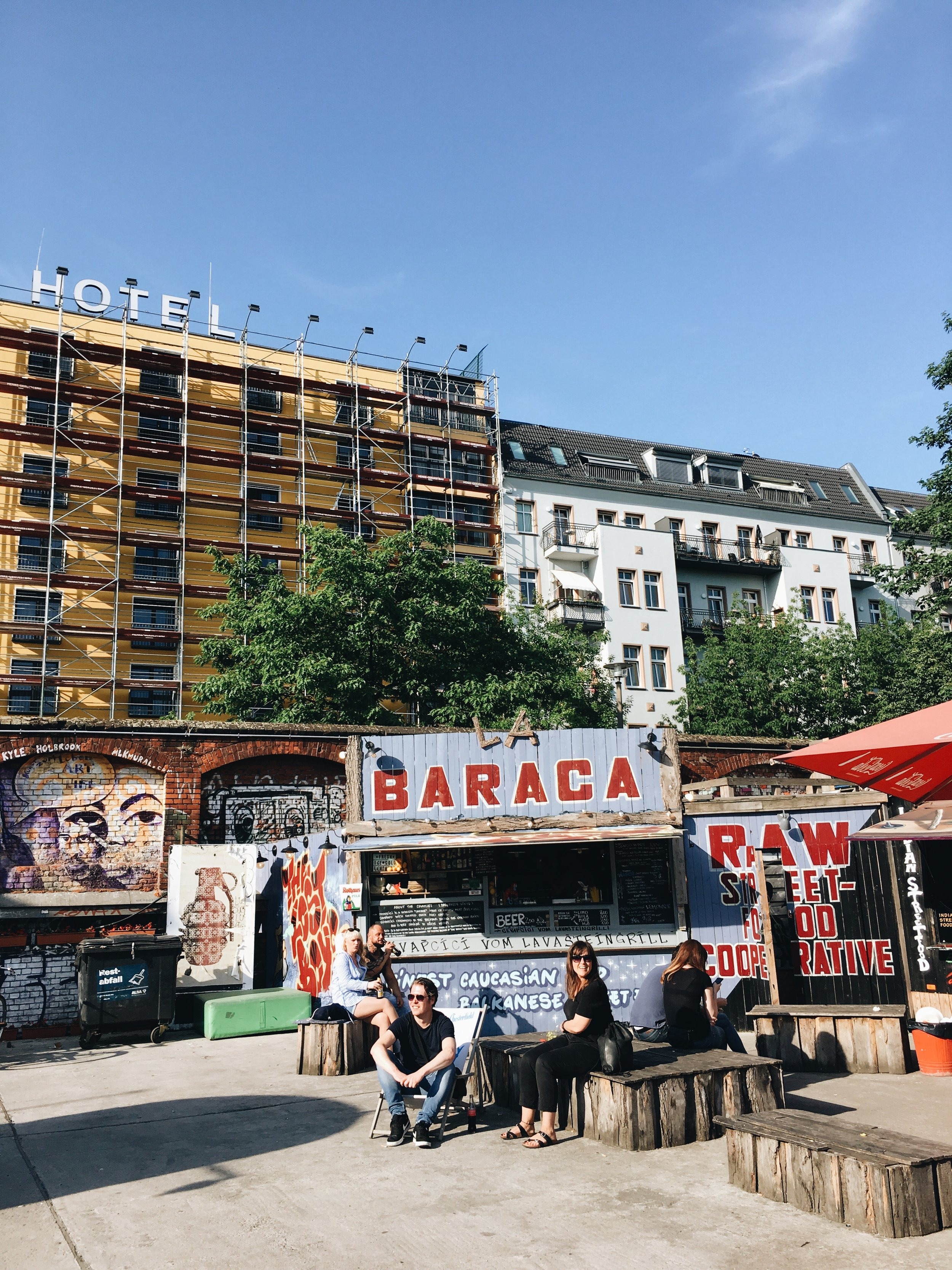 Neue Heimat - vintage shopping, photo locations and great street food in one of Berlin's coolest neighborhoods