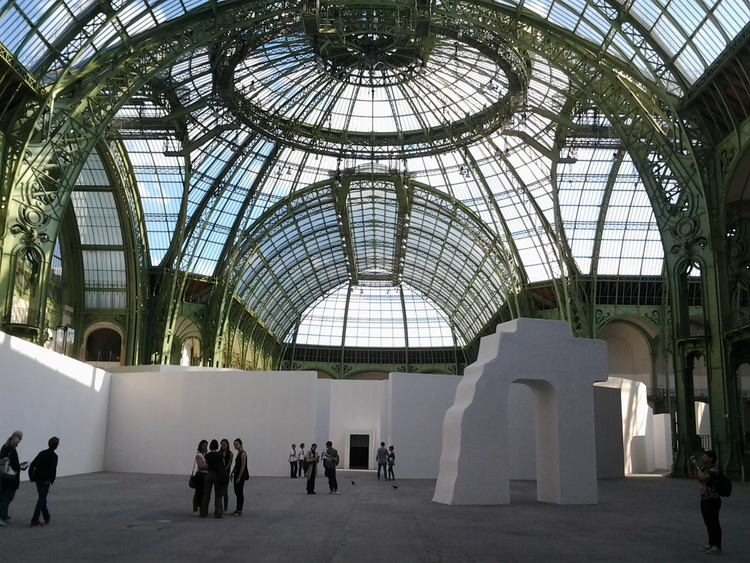 "Creation of a utopian city resembling ""The City of the Sun"" at the Grand Palais in 2014. Image courtesy of artists"