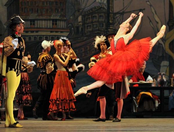 Don Quixote, Mariinsky Ballet Photo: Viktoria Tereshkina by Natasha Razina