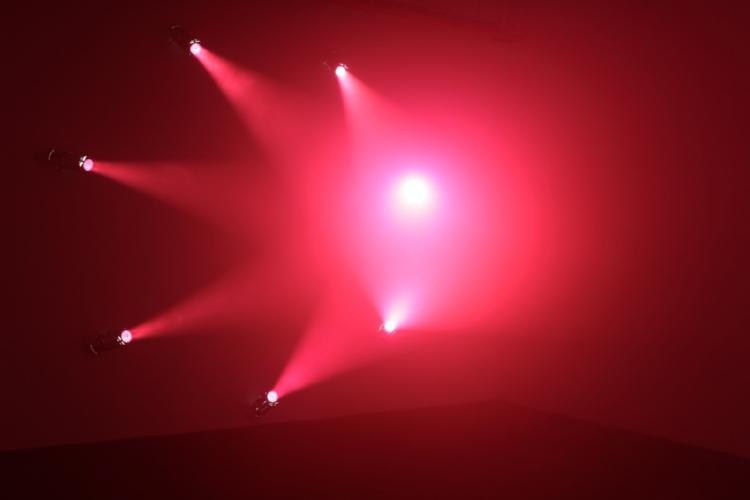 Ann Veronica Janssens   Untitled , 2015 7 spotlights, artificial haze . Image courtesy of bortolami gallery and the artist