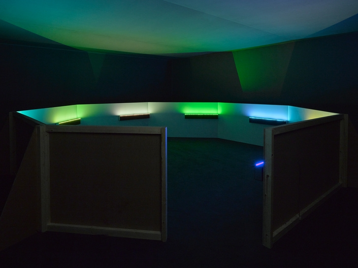 Haroon Mirza,  A Chamber for Horwitz  (2015) Image Courtesy: Lisson Gallery x Vinyl Factory