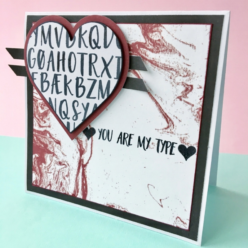 Materialer:    You are my type ,  smagen af jordbærsorbet ,  smagen af lakrids , hjerte die fra Creative Expressions   Igen er mønsteret i hjertet selv skabt med bogstaver fra stempelpakken ' You are my type '