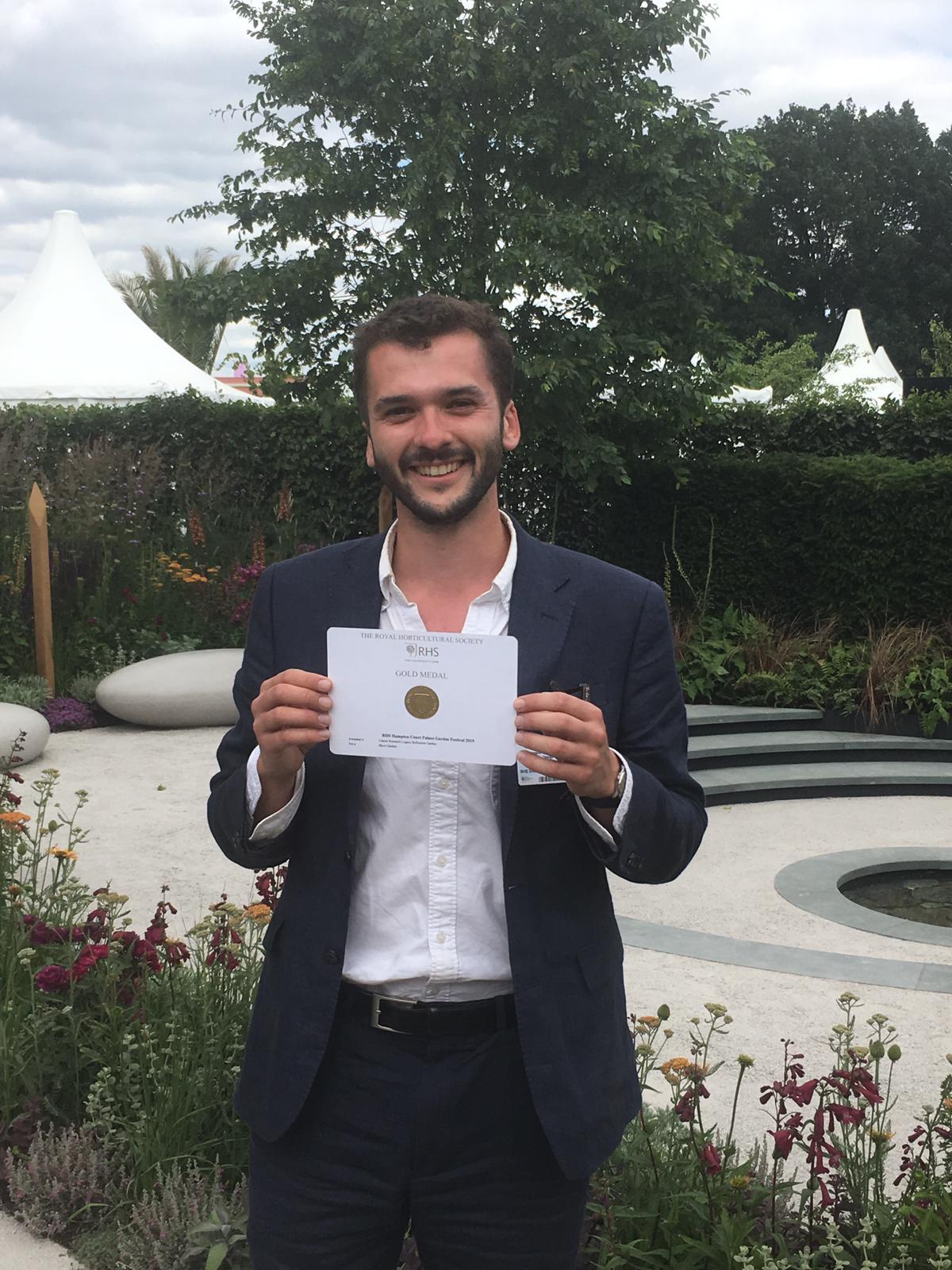 Tom Simpson Garden Design Gold Medal.JPG