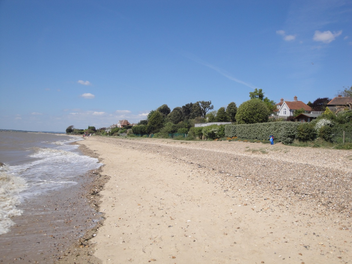 West_Mersea_beach.jpg
