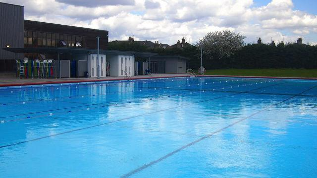 PARK ROAD LEISURE CENTRE + LIDO .jpg