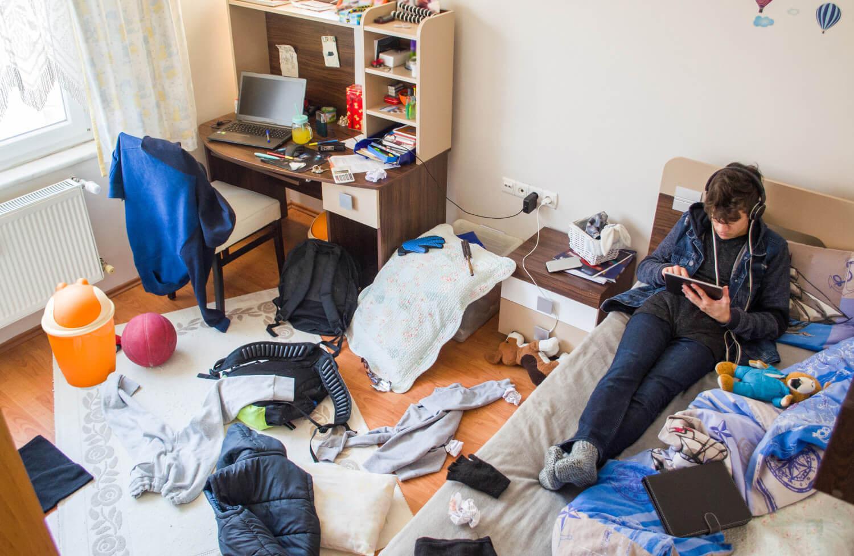 teenager+messy+bedroom.jpg