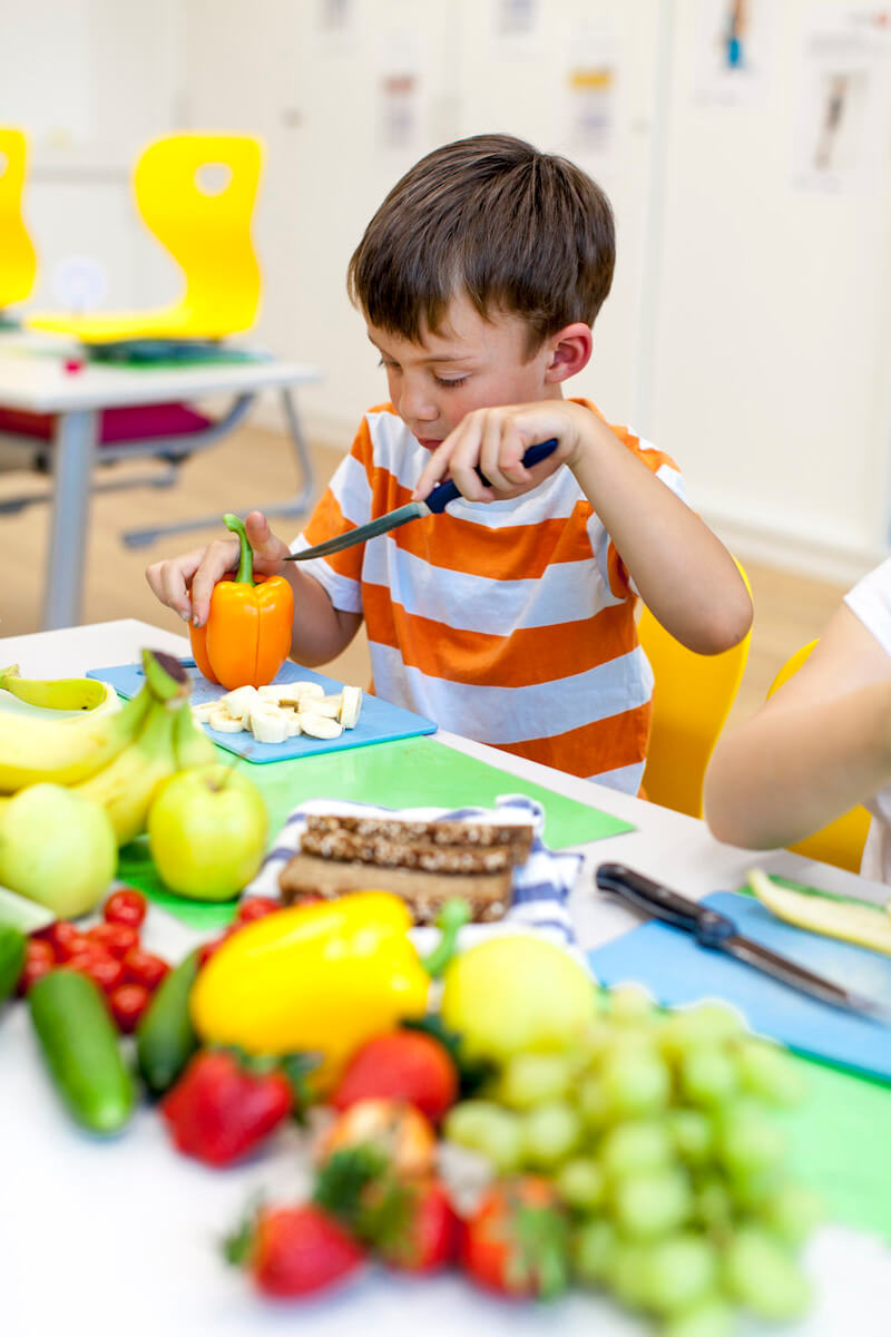 help your kids to eat healthy snacks.jpg
