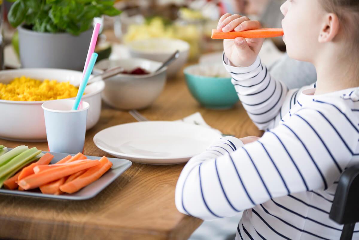 kids eating healthy snacks.jpg
