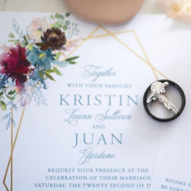 Anyone else feel invisible on IG sometimes?? For the last week or 2 it has felt like I am on my own little lonely Insta Island 😆😵. If you see this let me know...... I am here I am here!! Anywayyyyyyyy ....... ❤  Kristin & Juan's wedding gallery got delivered today!!! So excited to get to work on their album next! . . . . . . . . #corpuschristiweddings #corpuschristiweddingsandevents #thatsdarling #sanantonioweddings #weddinginvitation #rgvphotographer #portaransaswedding #engagementring #potd #houstonweddingphotographer #austinwedding #ohwowyes #marthastewartweddings #engaged #isaidyes #texaswedding #theknot #stylemepretty #mytexasvows #radlovestories #savethedate #weddingideas #theknottexas #hellocorpuschristi #dallasweddingphotographer #southtexasweddings #huffpostido #theonebrideguide