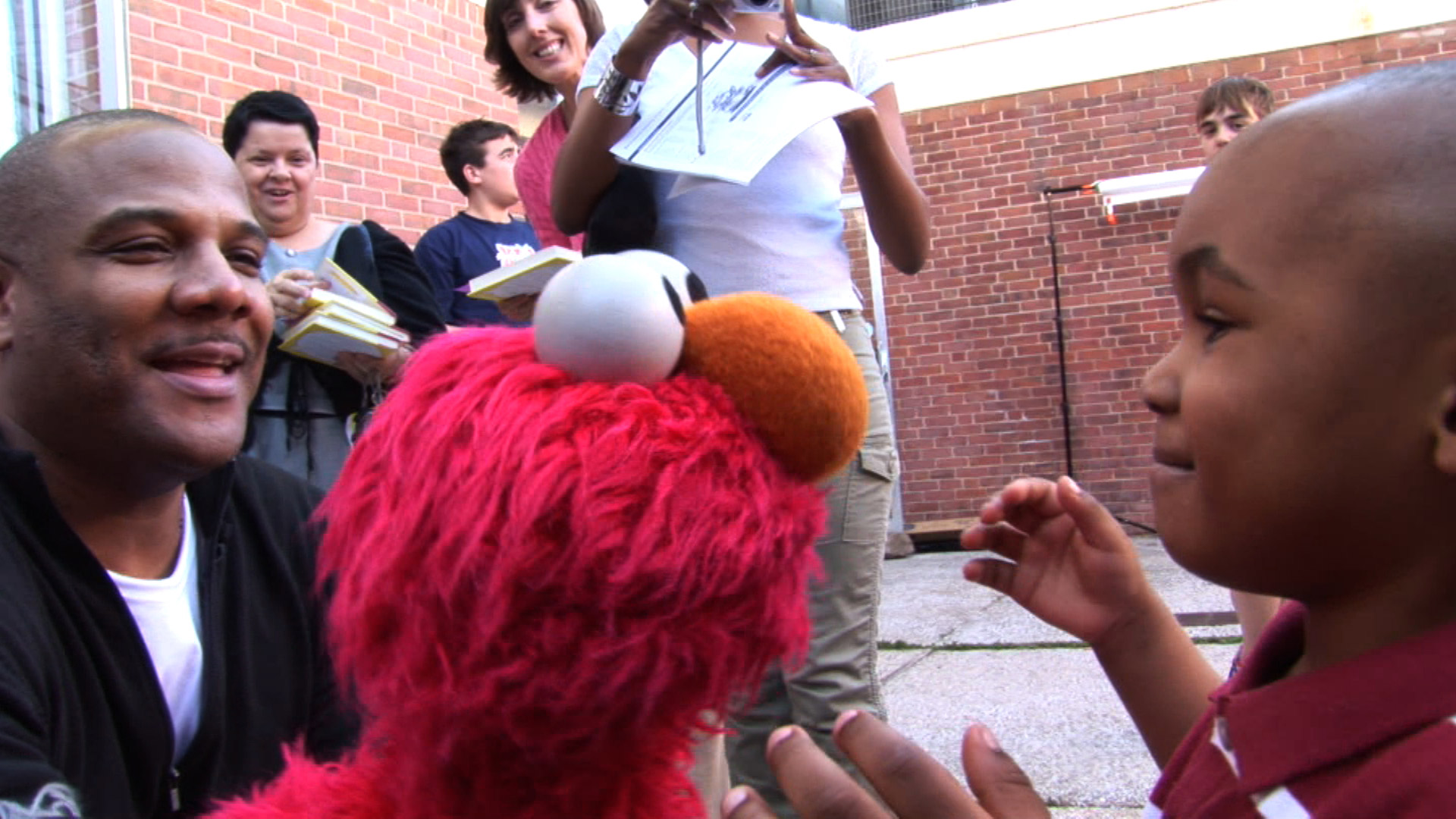 REVIEW: 'Being Elmo: A Puppeteers Journey' Is An Inspirational Doc About The Man Behind The Muppet   READ IT HERE .
