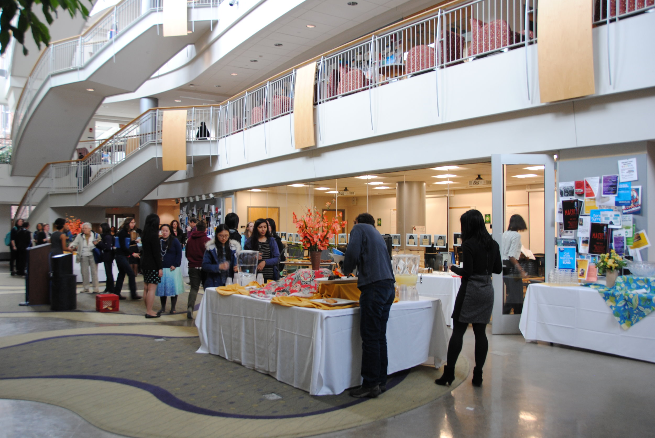 Photo by Ayla Safran '19  A reception was held in Kendade Atrium for presenters and attendees following the Senior Symposium presentations.
