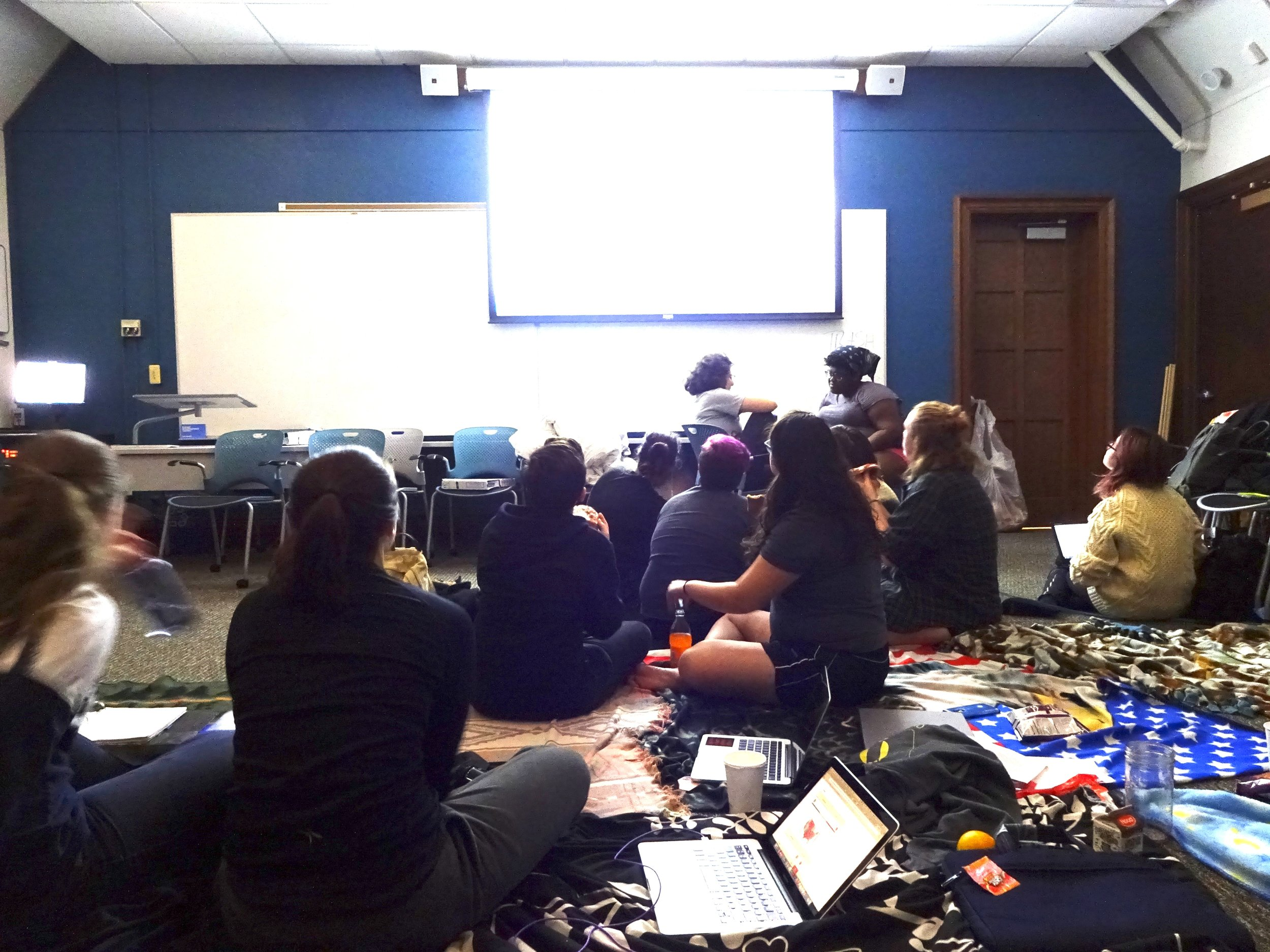 Photo by Shiloh Frederick '17 Students in Skinner anxiously watching news stations for election results.