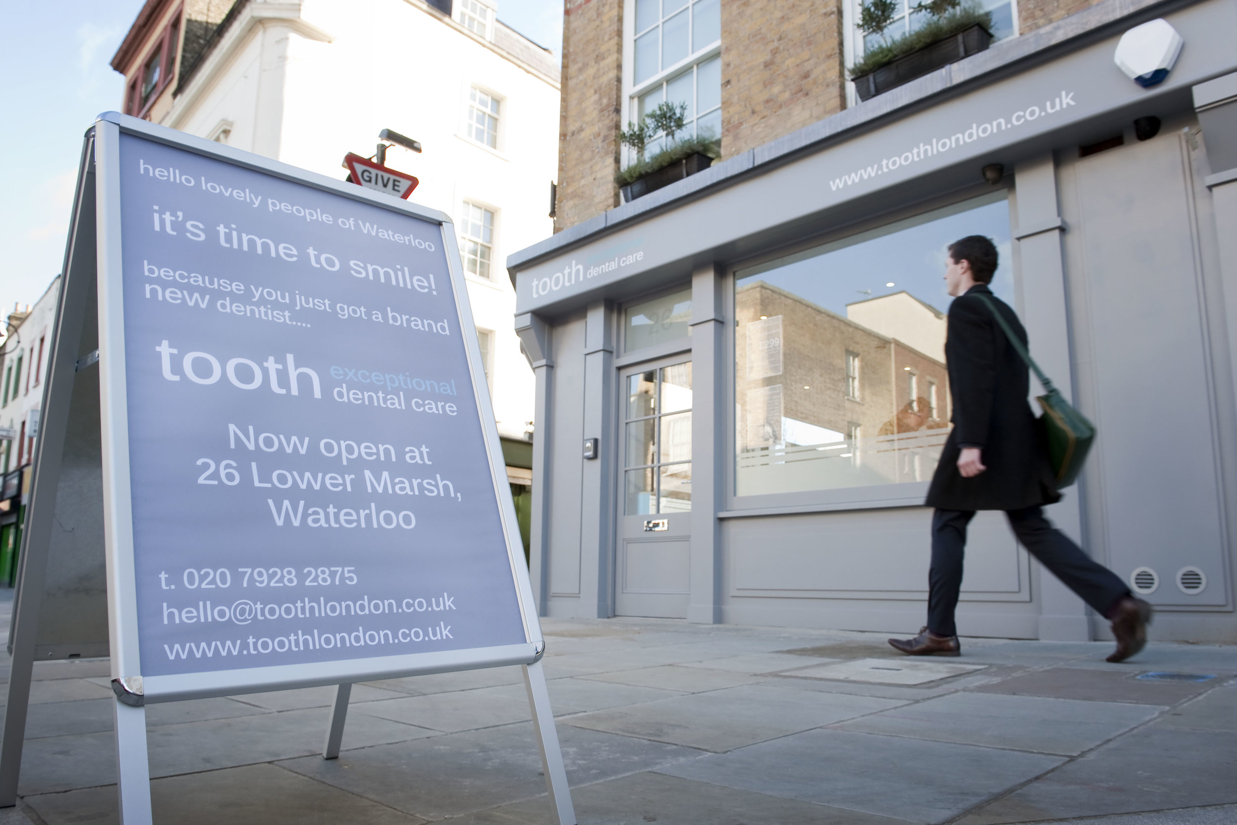 tooth dental surgery, dentist and hygienist lower marsh, waterloo, London