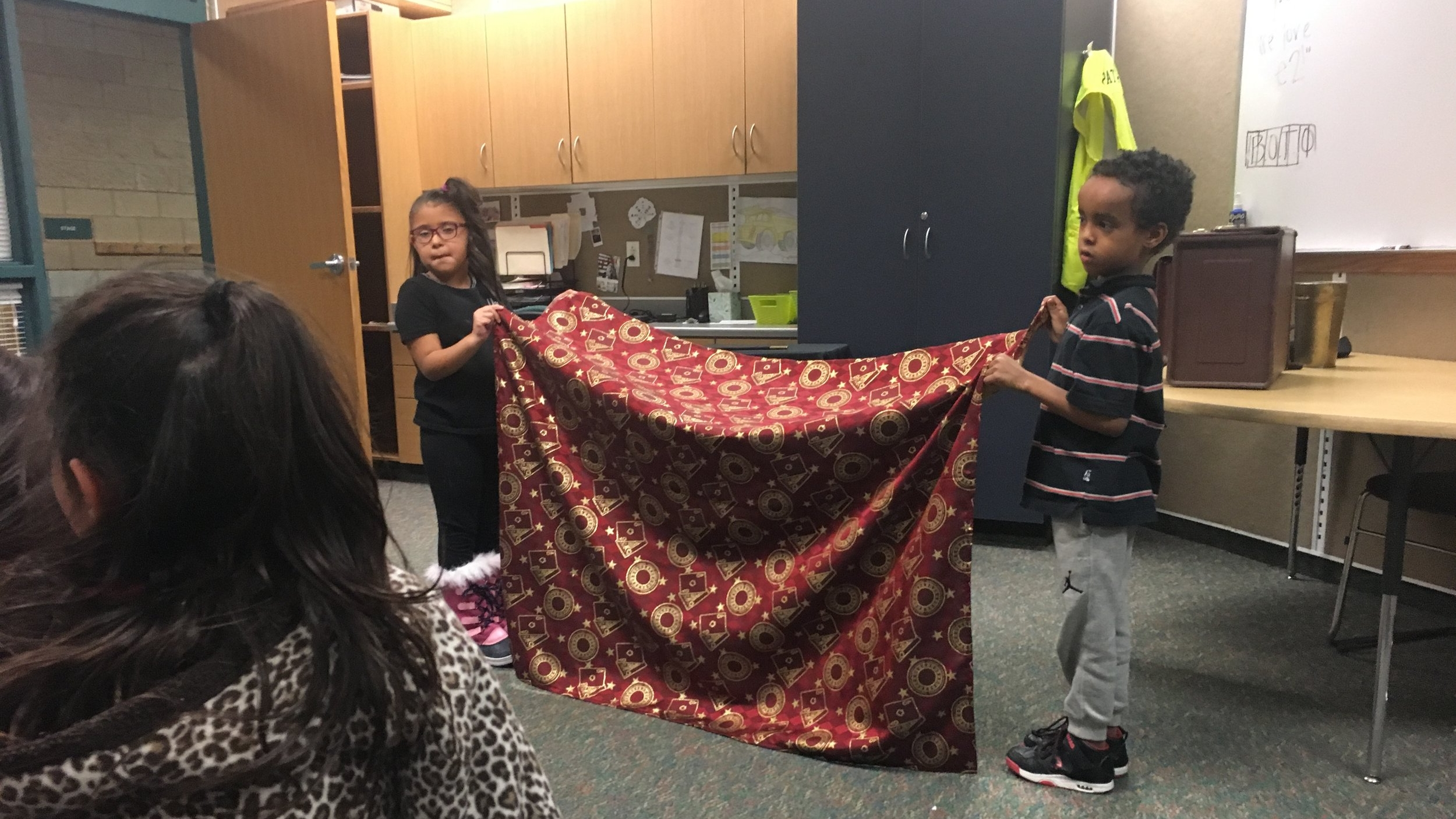 Magician trick- blanket .JPG