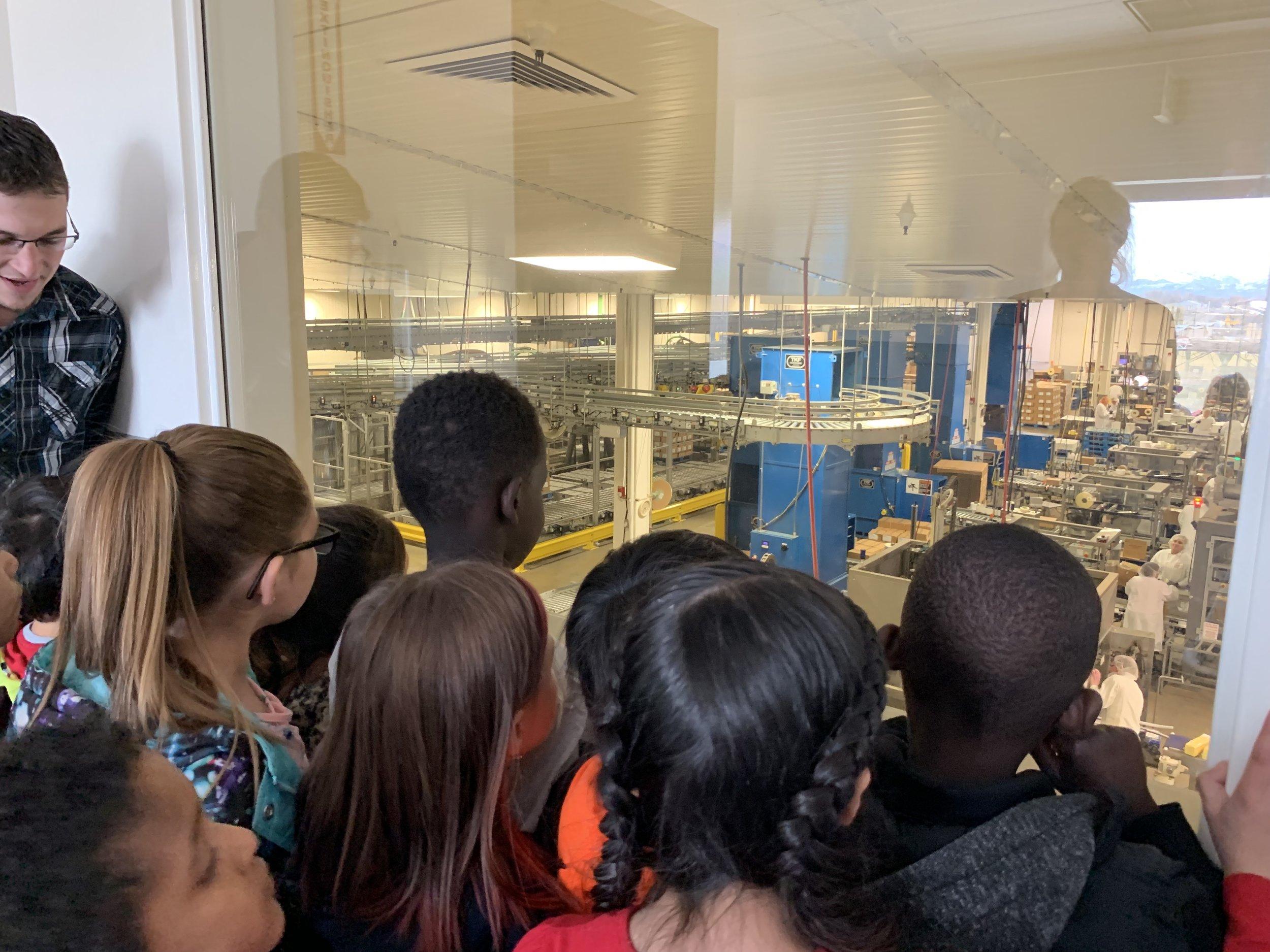 Gossners- kids looking at machinery .jpg