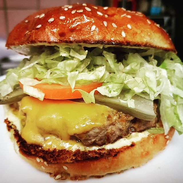 Burger and a Beer for $12?! Get at this and watch some footy today @hilotoronto. Deals only on for the day. Come and get it!!