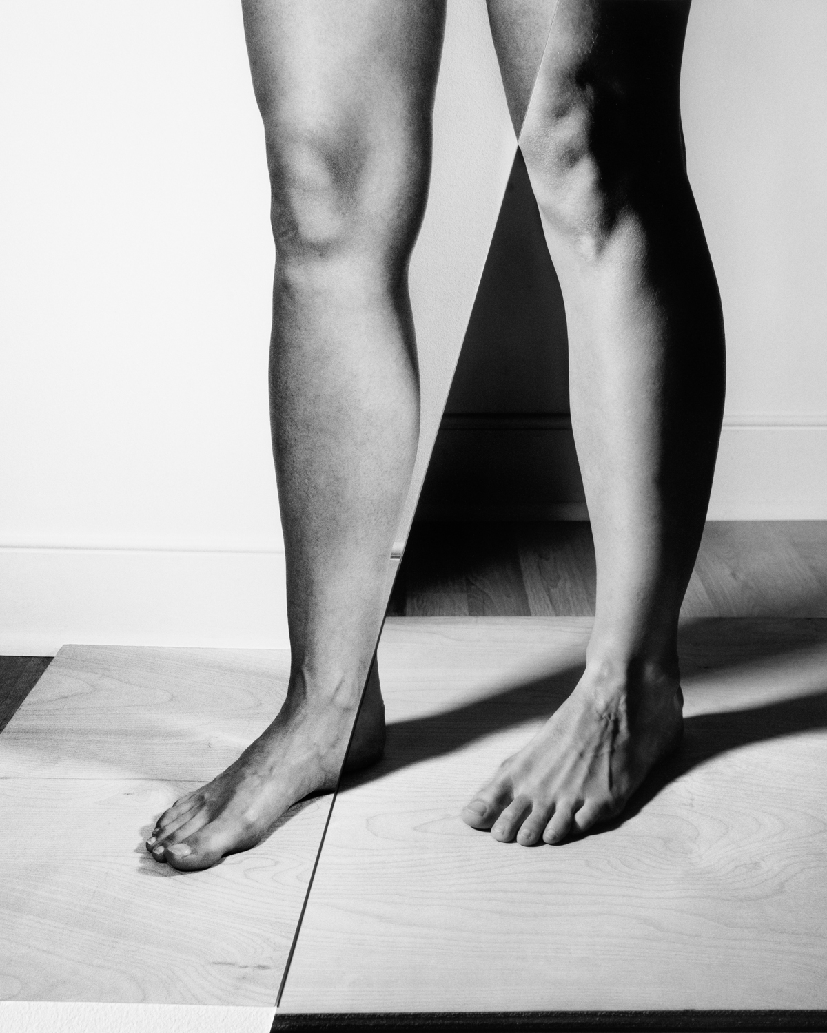 Legs in Contrapposto with birch and oak stage