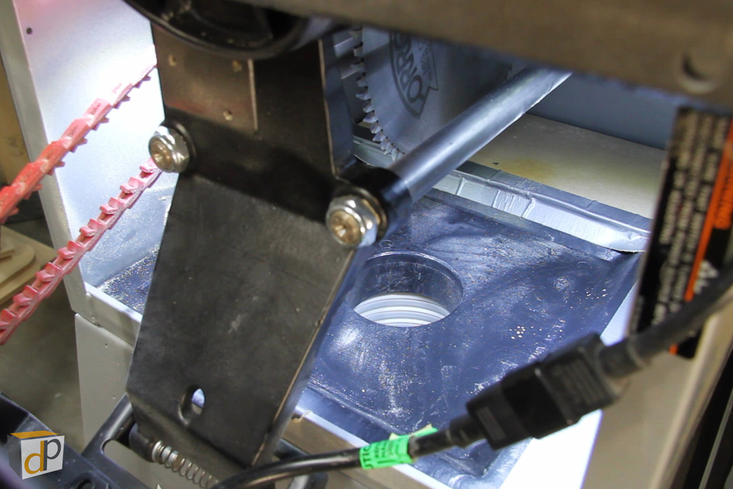 Table saw dust collection upgrade #1 - Add a dust port