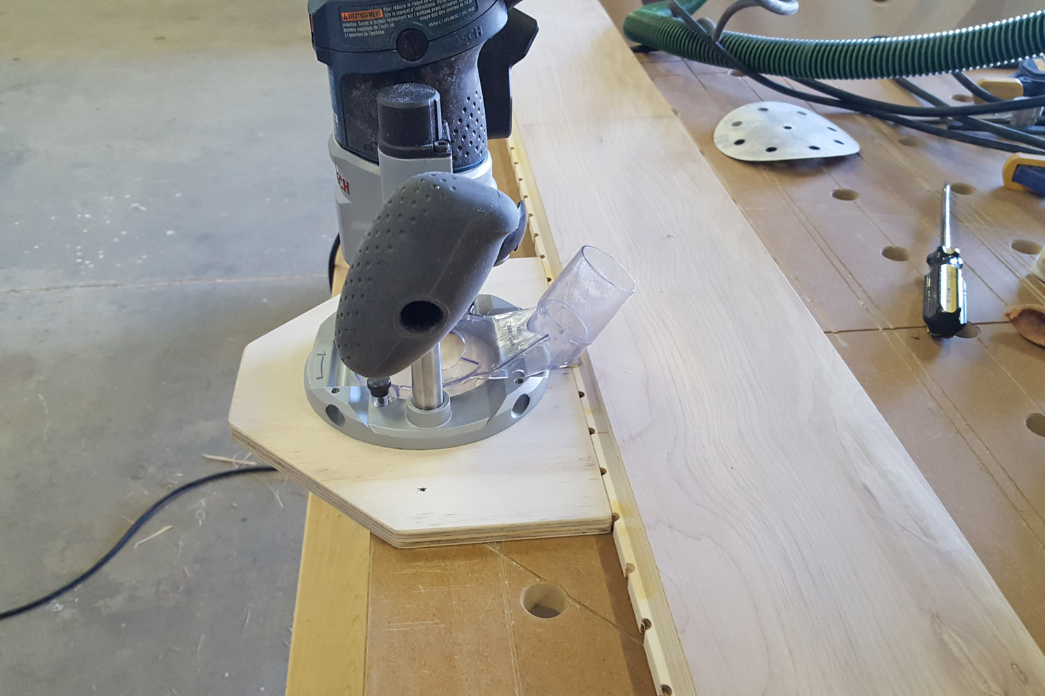 Router shelf pin hole jig