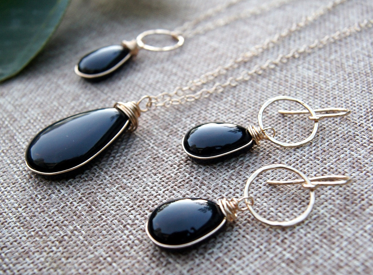 black-glass-gold-jewelry.JPG