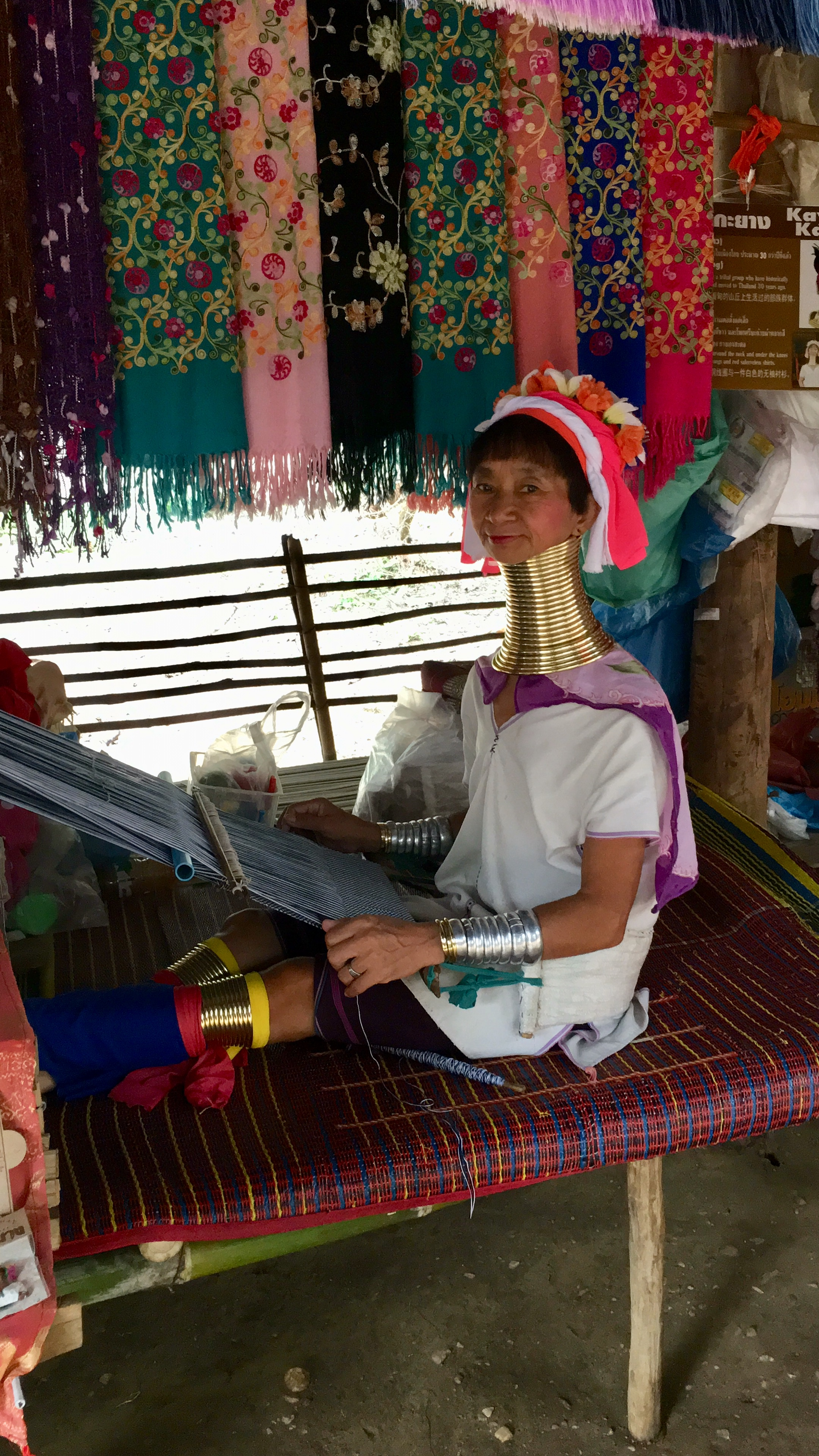 thai tribe with long necks - karen hill tribe - passion travel services.jpg