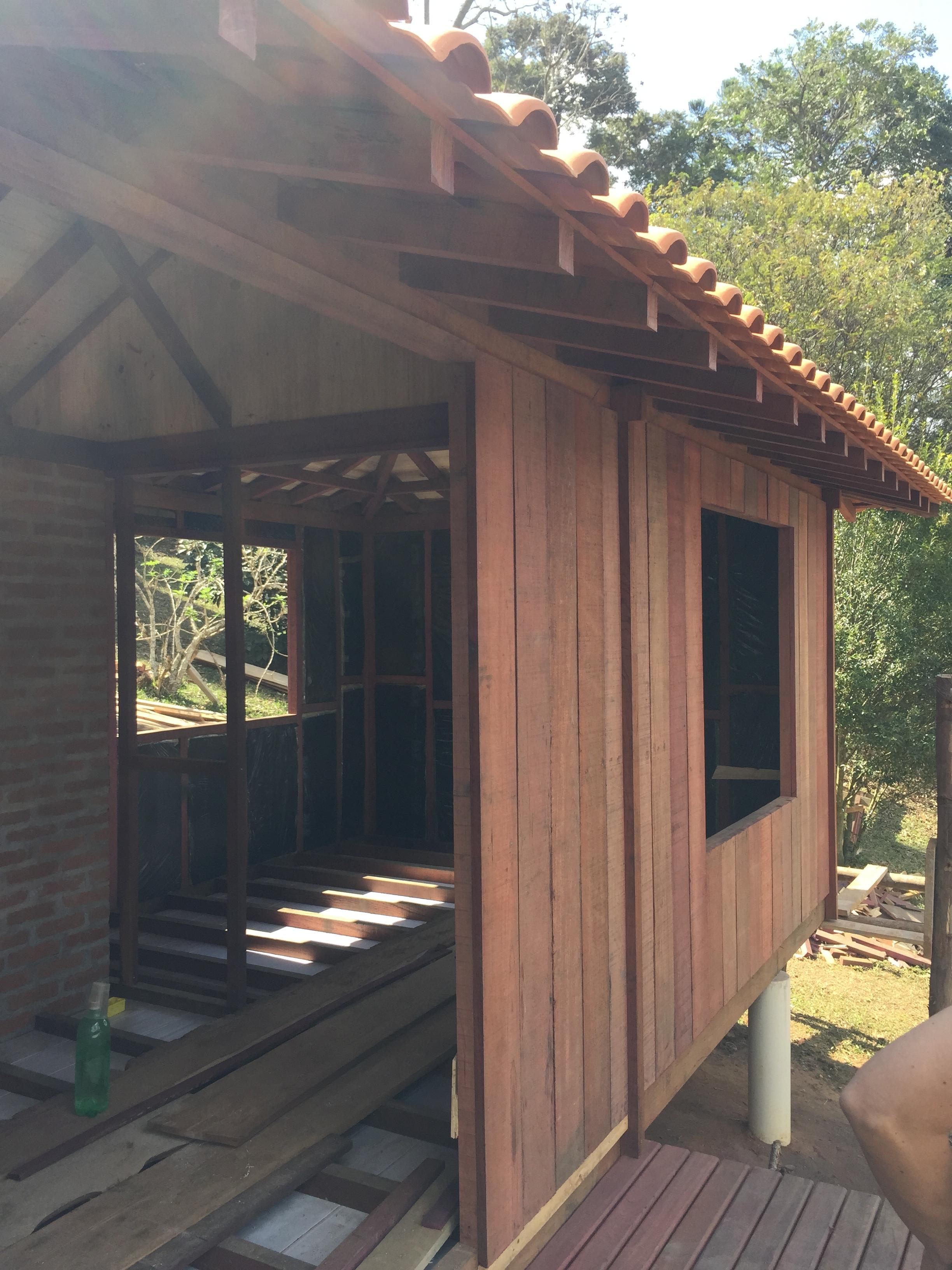 Paredes de madeira com isolamento termo-acústico
