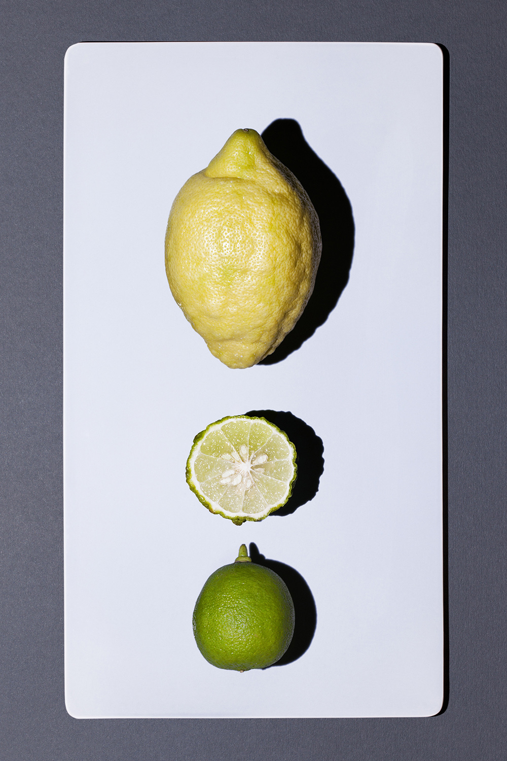 lemon_and_lime_halves_01.jpg