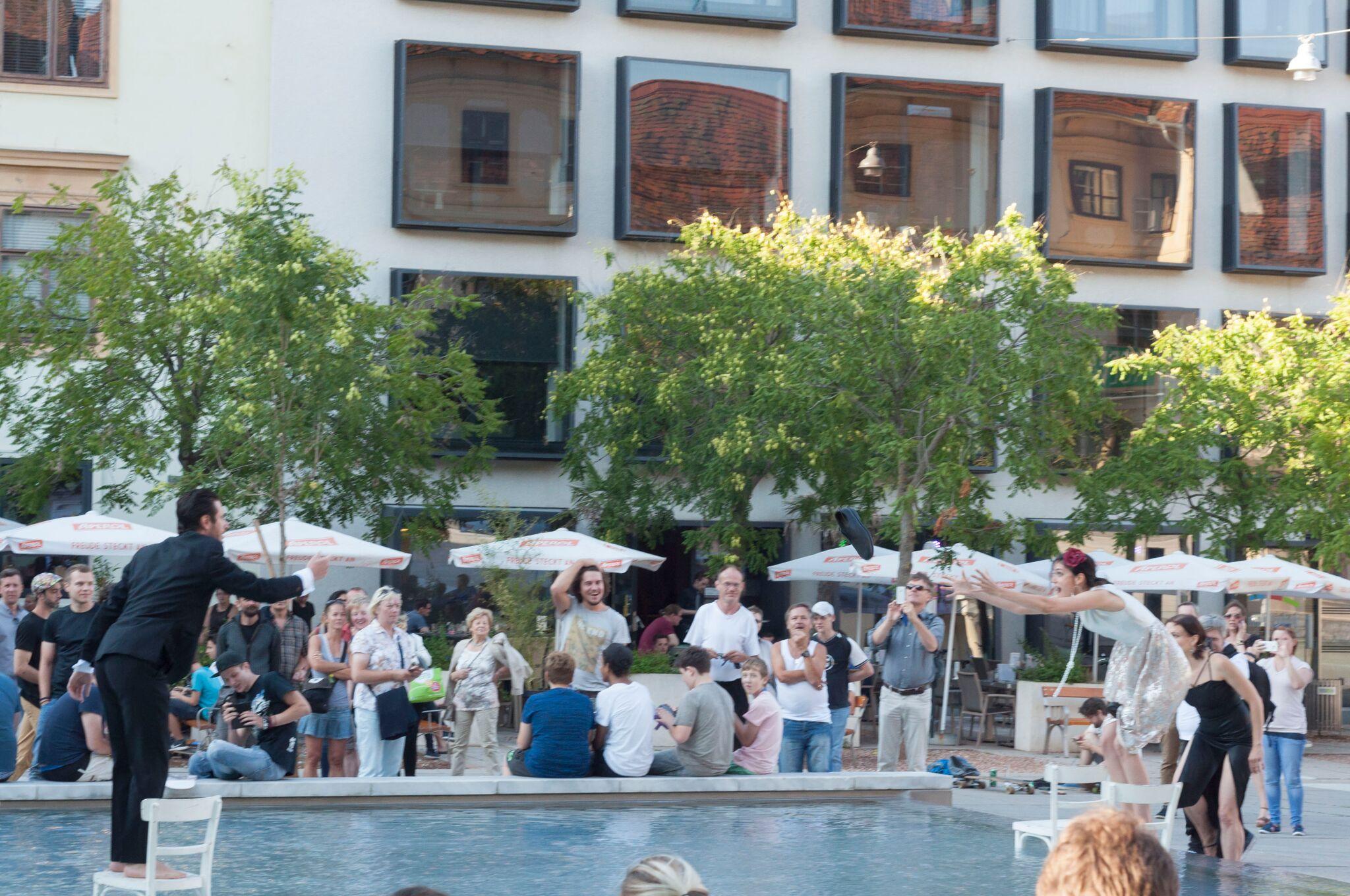 Performance at  La Strada Graz , Workshops with  Adrian Schvarzstein