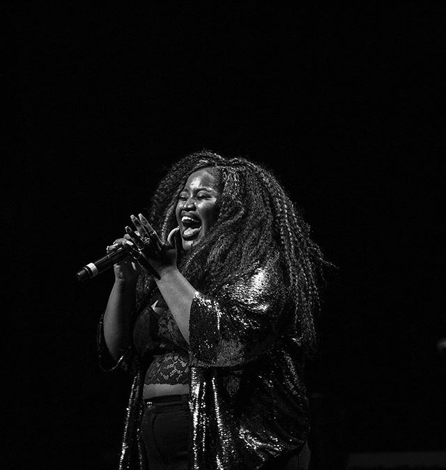 Don't know what I was singing but clearly I meant every single word ✨✨✨#passion . . . . [📸 by @jeremy_lebled] @bergenpac