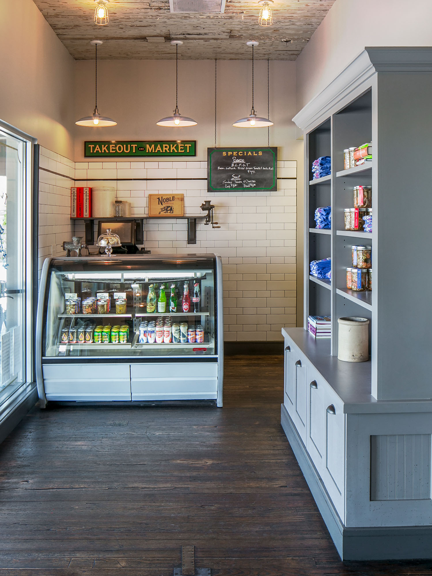 McCray & Co. - The Noble Sandwich Co. - Entry Foyer