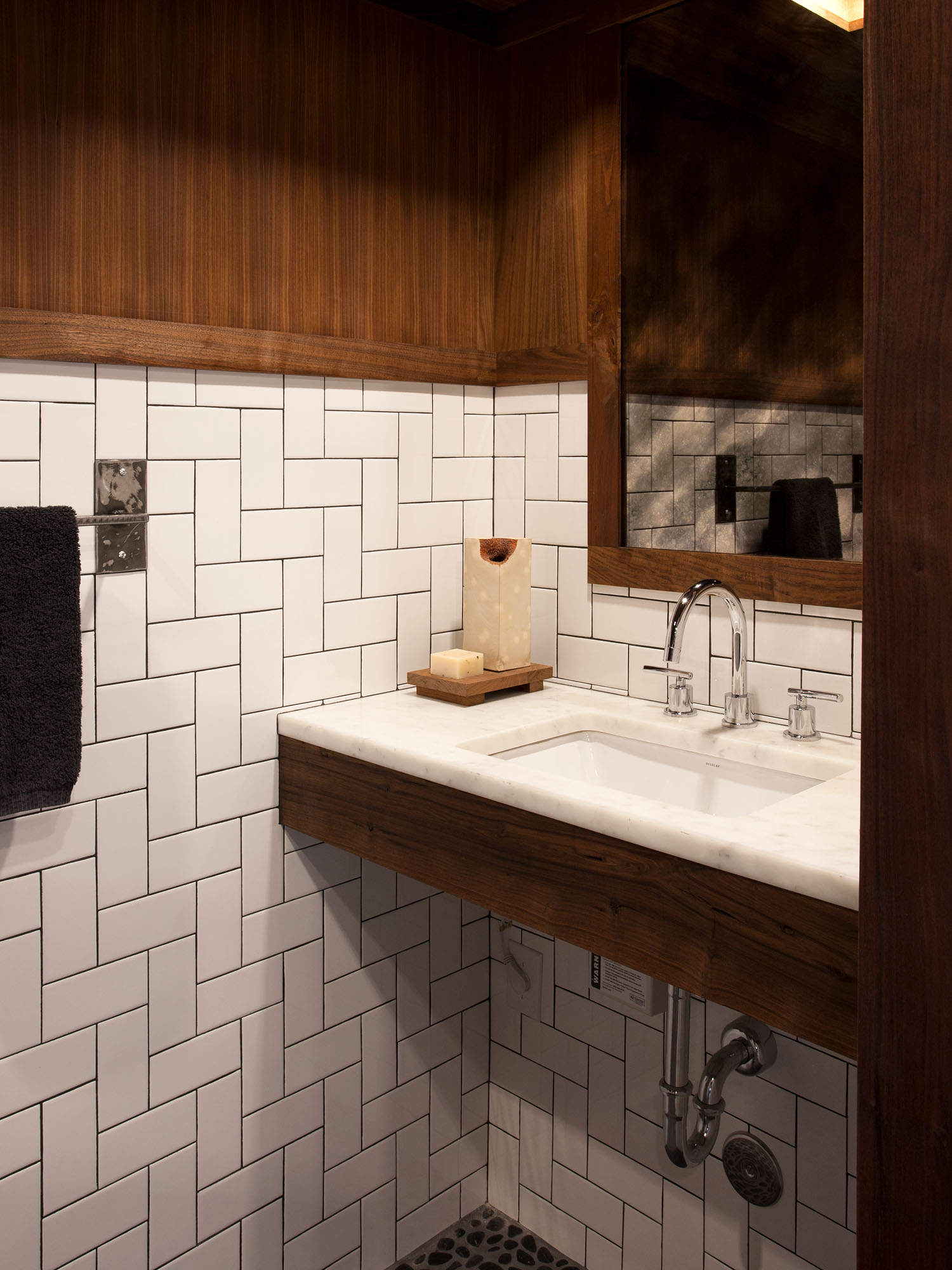 McCray & Co. - Uchi Office - Restroom Detail