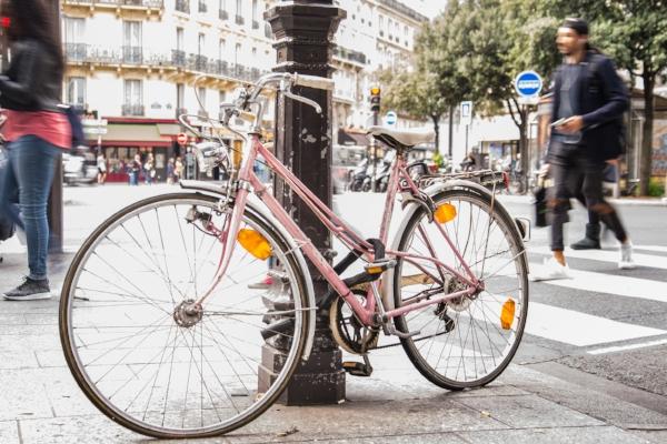 bike-pink-paris-bicycle-611229.jpg