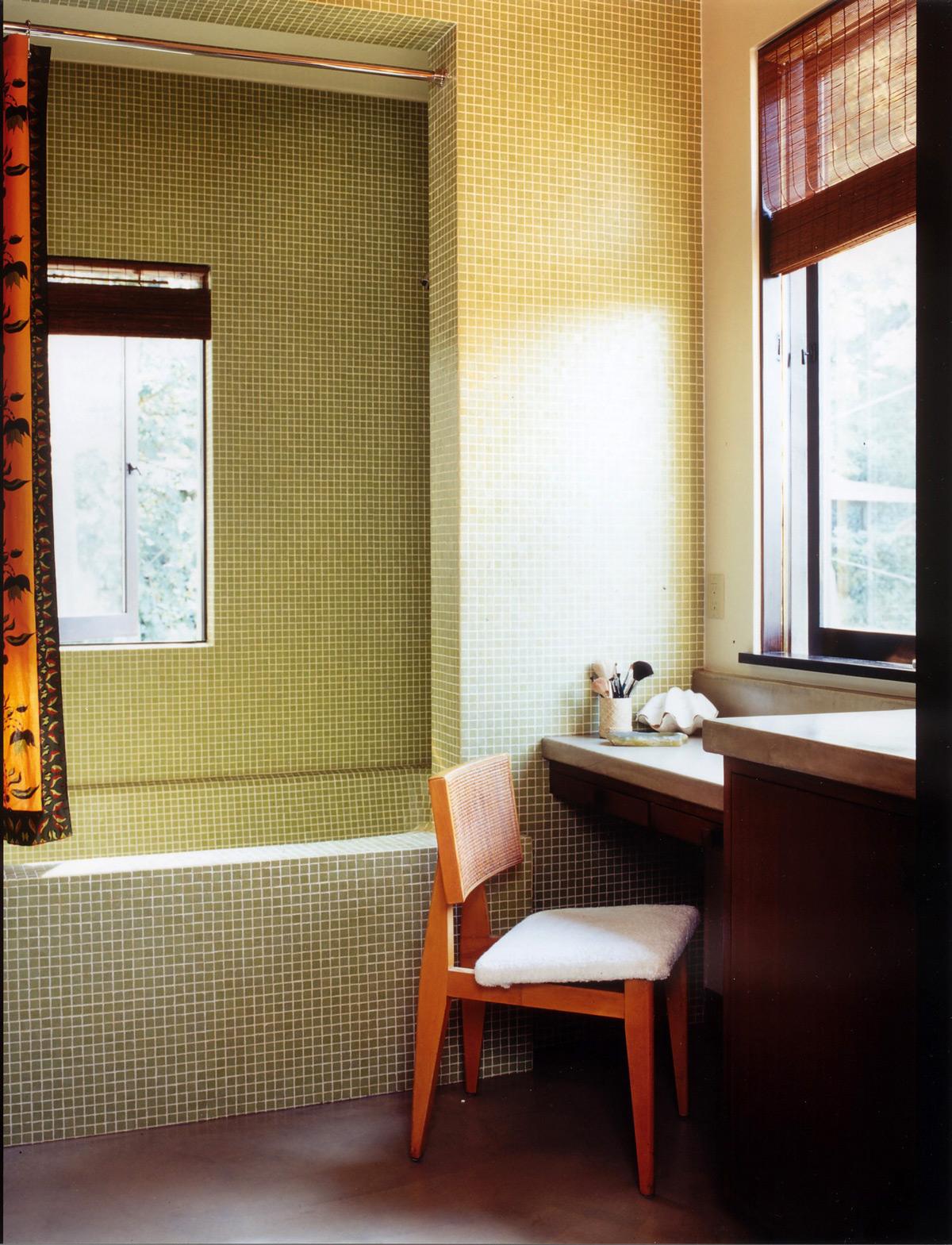 Day-Residence-bath.jpg