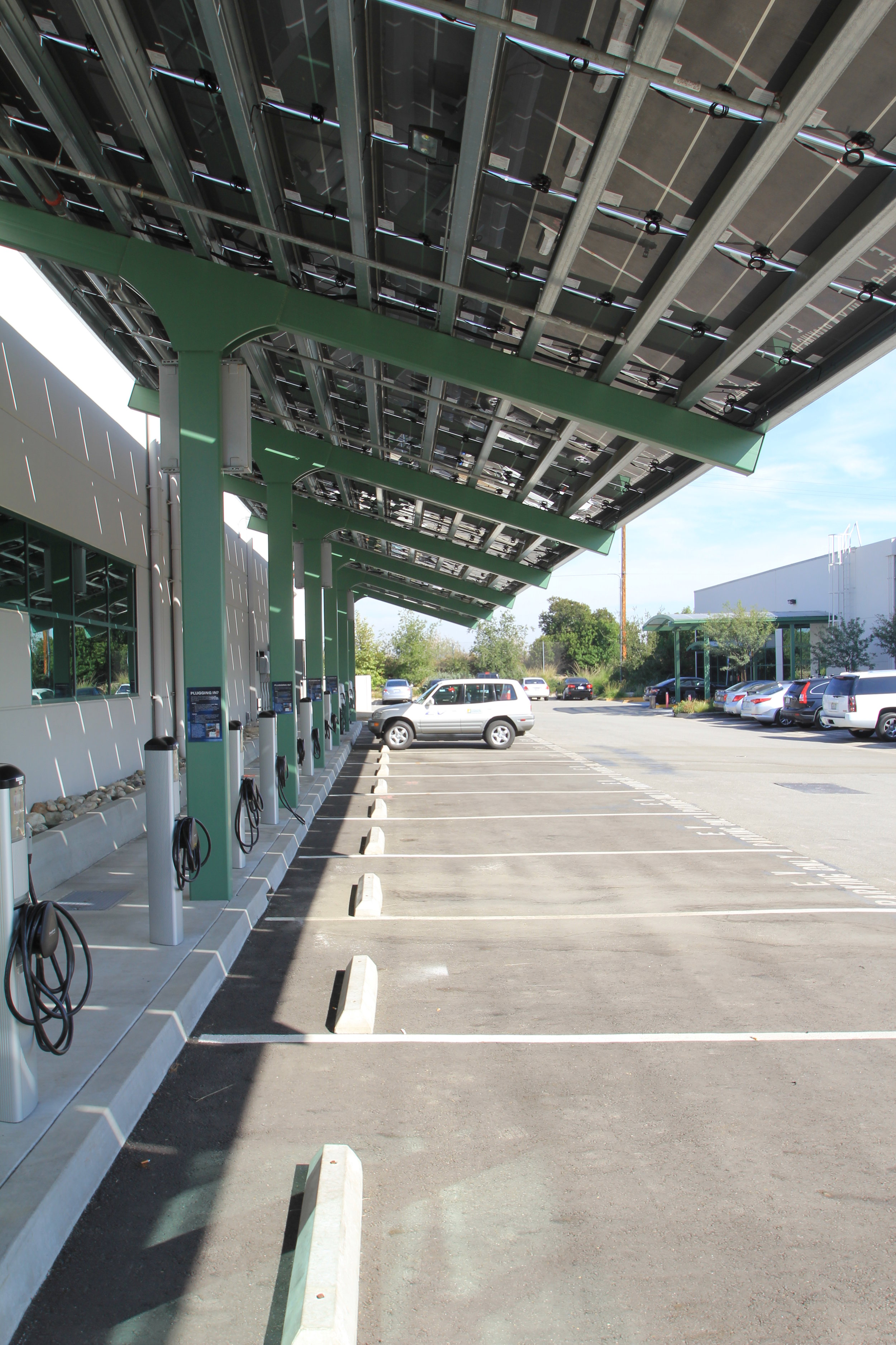 SCE electric vehicle charging and solar canopy