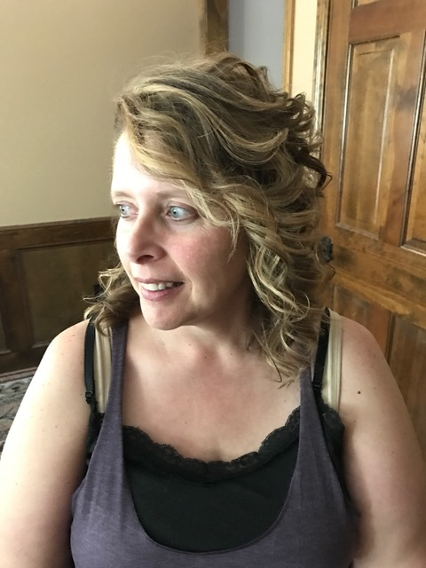 Bridesmaid: Such a sweet lady! Look at those curls! I couldn't get over them!! They were the perfect touchable curl. Pre make-up application ;)