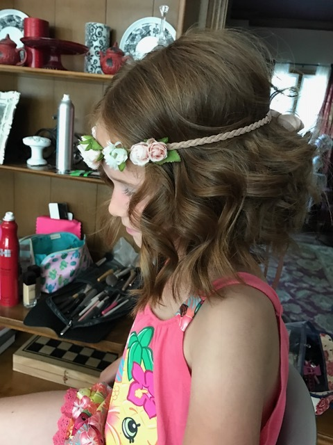 Flower girl: She had the personality to match that hair color for sure. This little girl was a fire cracker - I loved it!! So Cute! Also, the head band - swoon! I love a pretty head piece!!