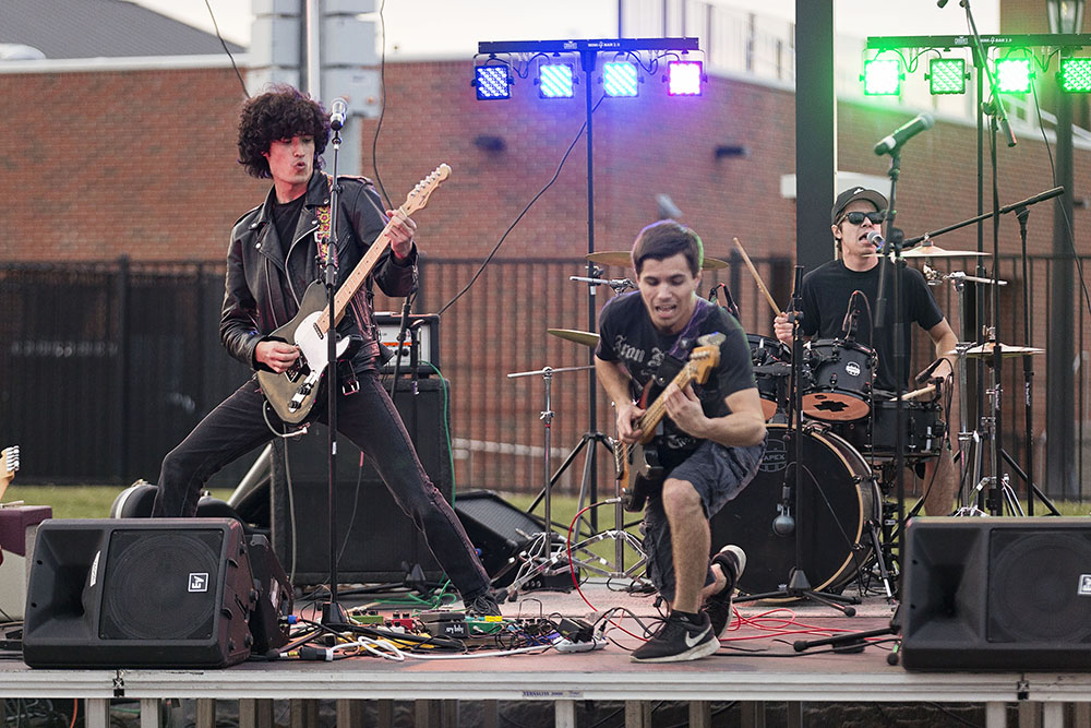 Geneseo Campus Activities Board held its Annual Welcome Back Jam on Friday Sept. 1. The night featured local Geneseo bands The Scarecrow Show (above) and Ponder the Giraffe and as well as fun attractions and food.