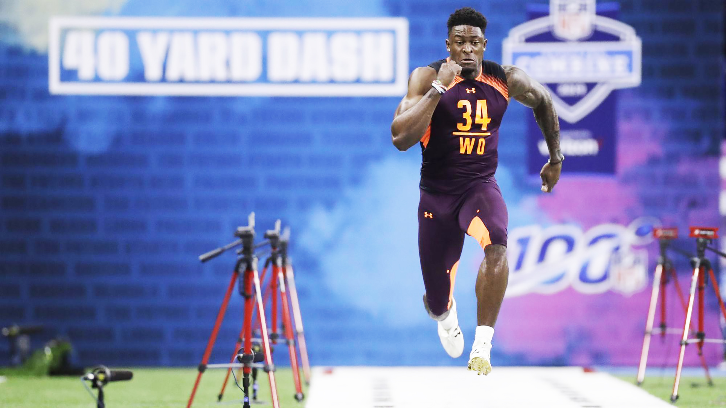 Wide receiver DeKaylin Metcalf (pictured above) ran the 40-yard dash at the NFL combine on Saturday March 2. Metcalf finished the physical test with an impressive time of 4.33 seconds (courtesy of Creative Commons).