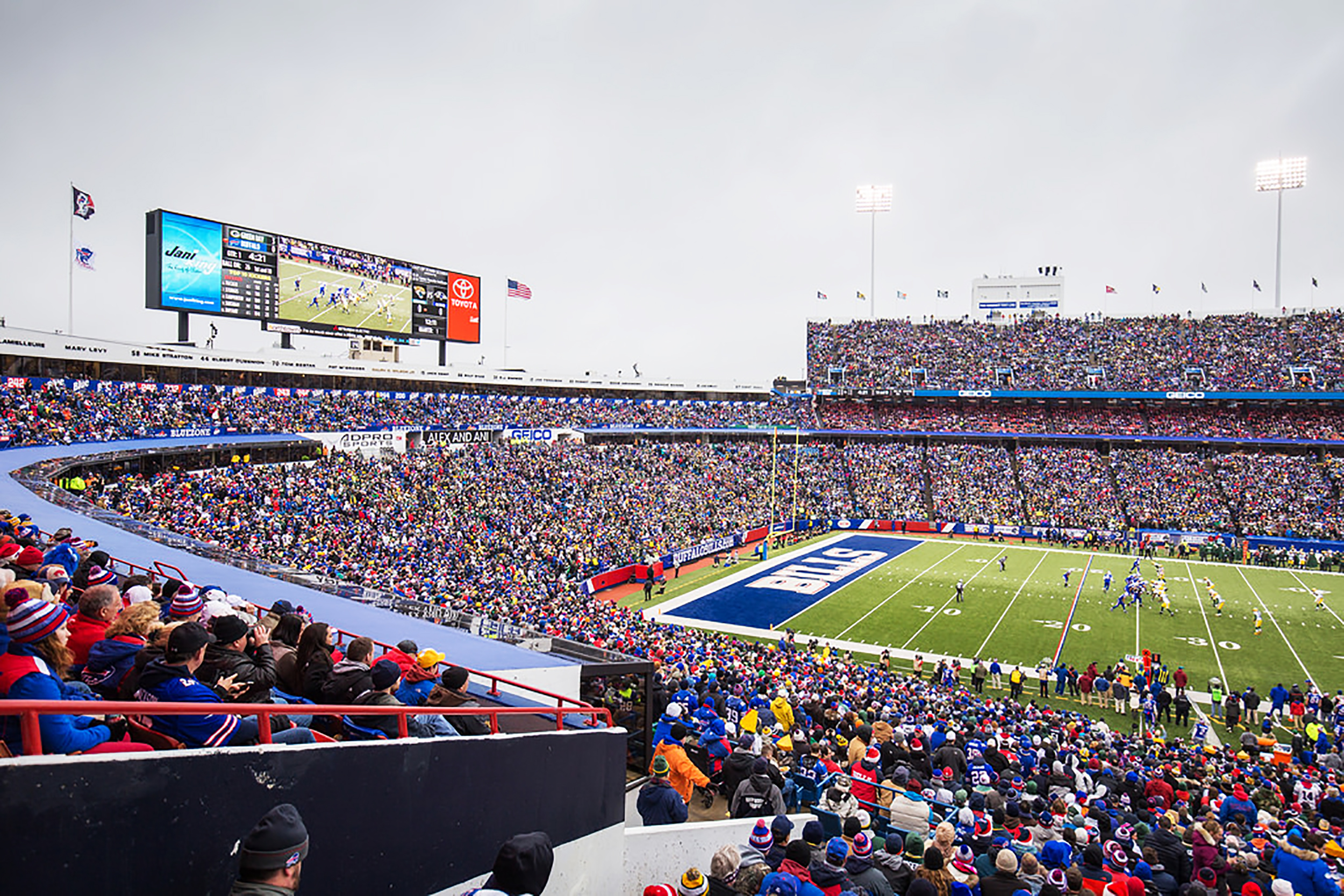 Bills Mafia's usual gathering place is at New Era Field in Orchard Park, N.Y. In the 2018 NFL season, Buffalo had a 4-4 record at home with the support of their fans (courtesy of Creative Commons).