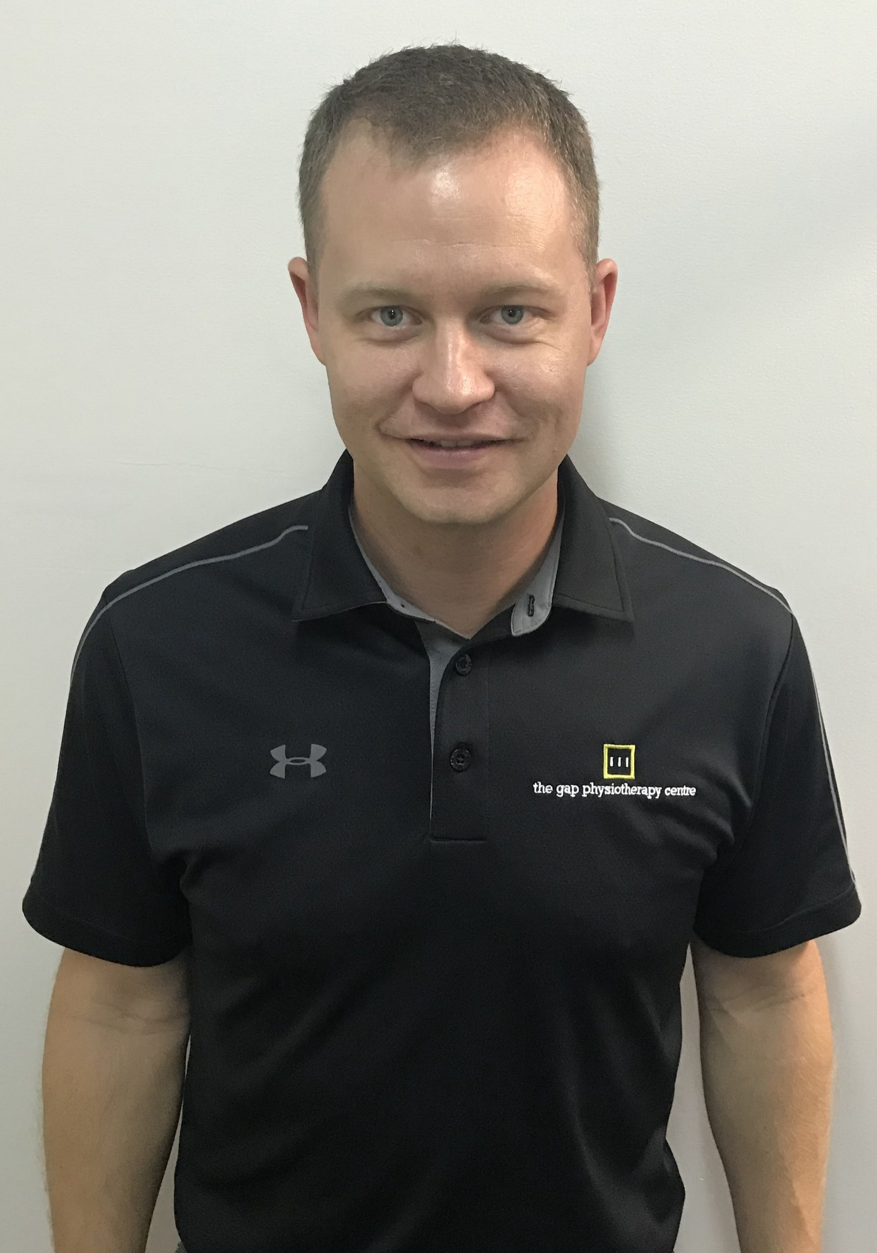 DAVID MCCARTNEY - BPhty, MAPA, FR & FRA Certified David graduated from the University of Queensland in 2004 and has been working at The Gap Physiotherapy Centre since.  He has a keen interest in all musculoskeletal conditions especially sporting injuries and also has experience treating vestibular disorders.  In 2007 David became a partner with Danny in the practice. In 2017 David became one of the first Functional Range Release Certified Practitioners in Australia, and the principles of functional movement assessment and treatment form a framework for his treatments.   To continue implementing the Functional Range System David completed the FRA certification in early 2018 becoming one of the first practitioners in Australia to do so. -