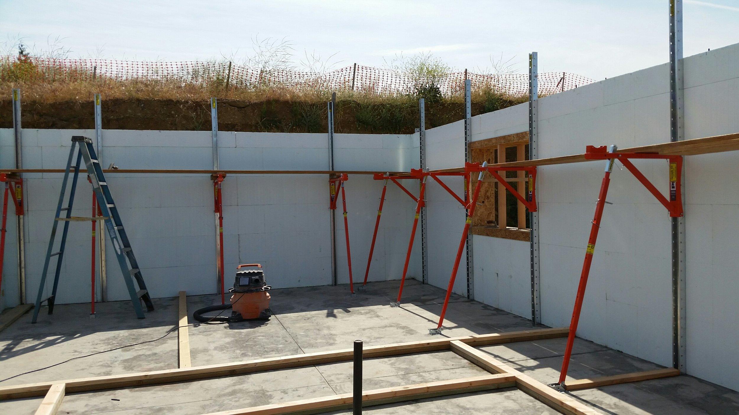 Monroe Construction in Medford, OR