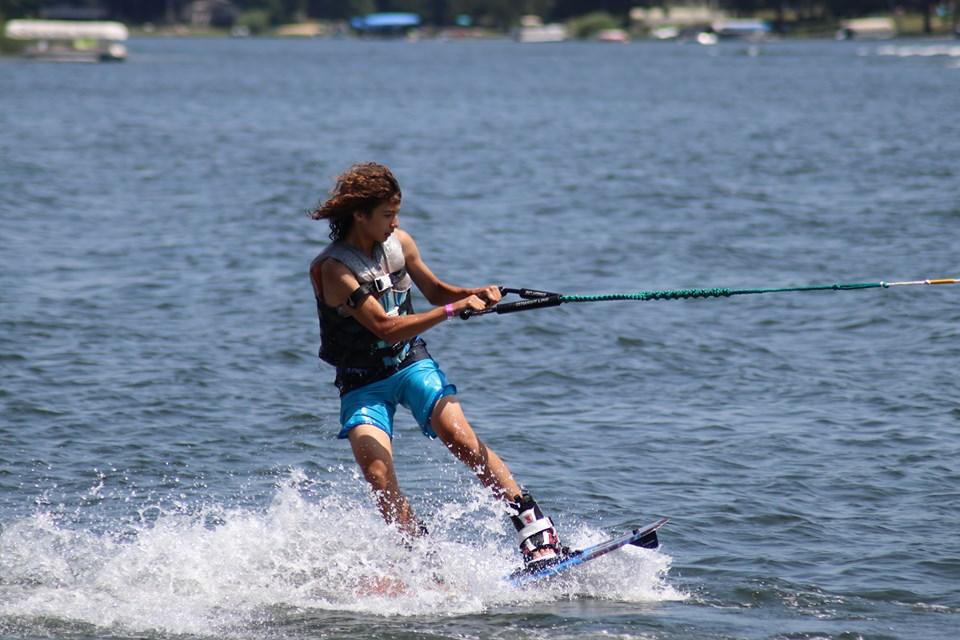 Water Ski Extraordinaire