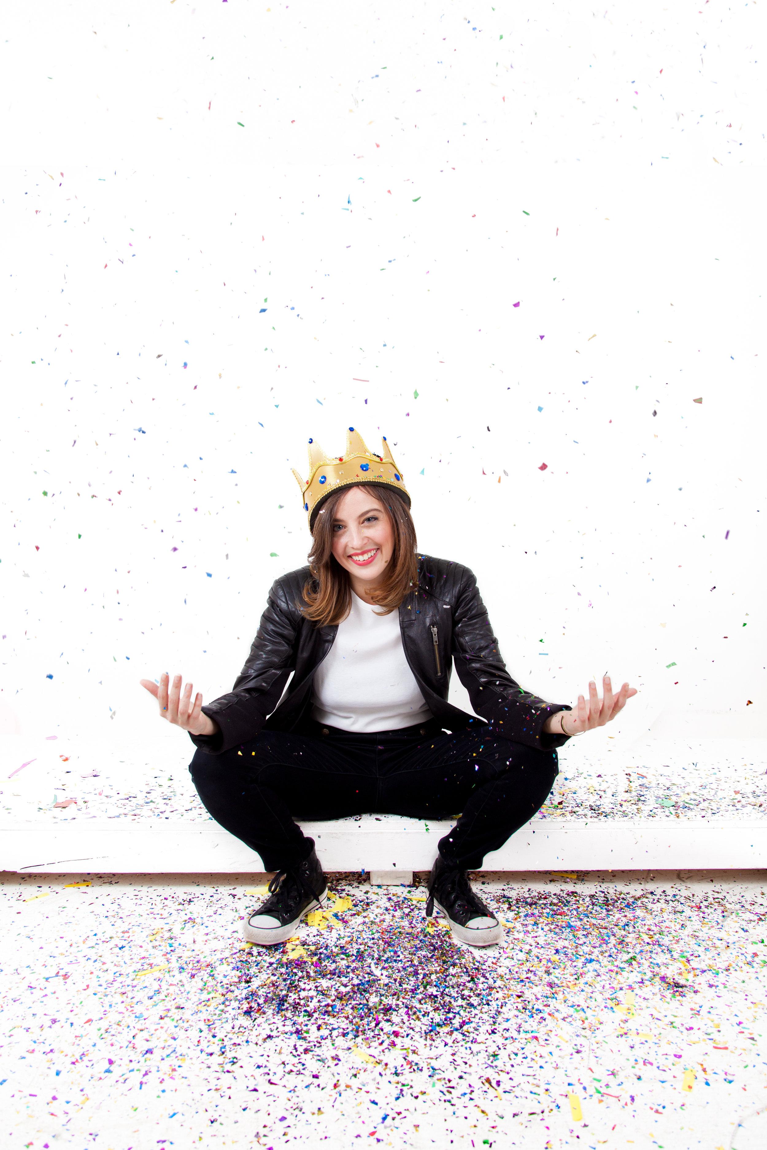 Queen Ari Reposing