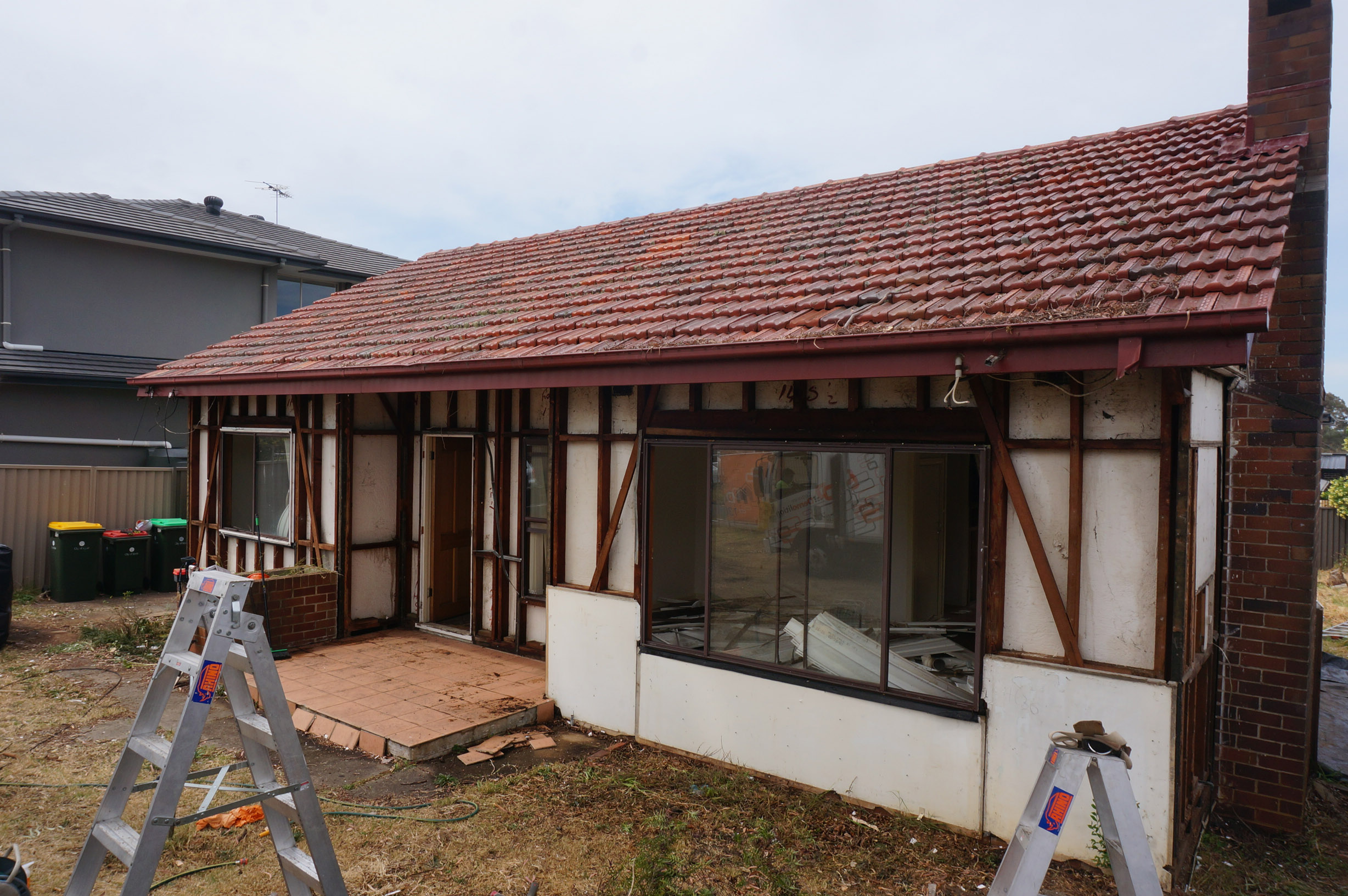 House being stripped of Asbestos
