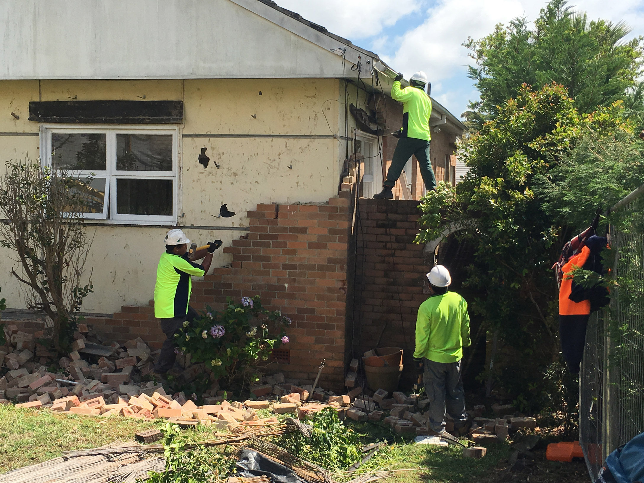 This asbestos clad fibro home had a brick facade making for a particuarly time consuming asbestos removal job.
