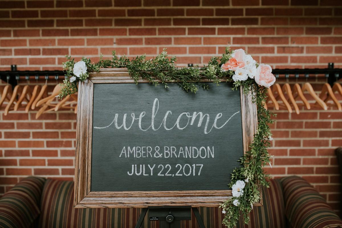 amber-and-brandon-wilmington-ohio-wedding_0043.jpg