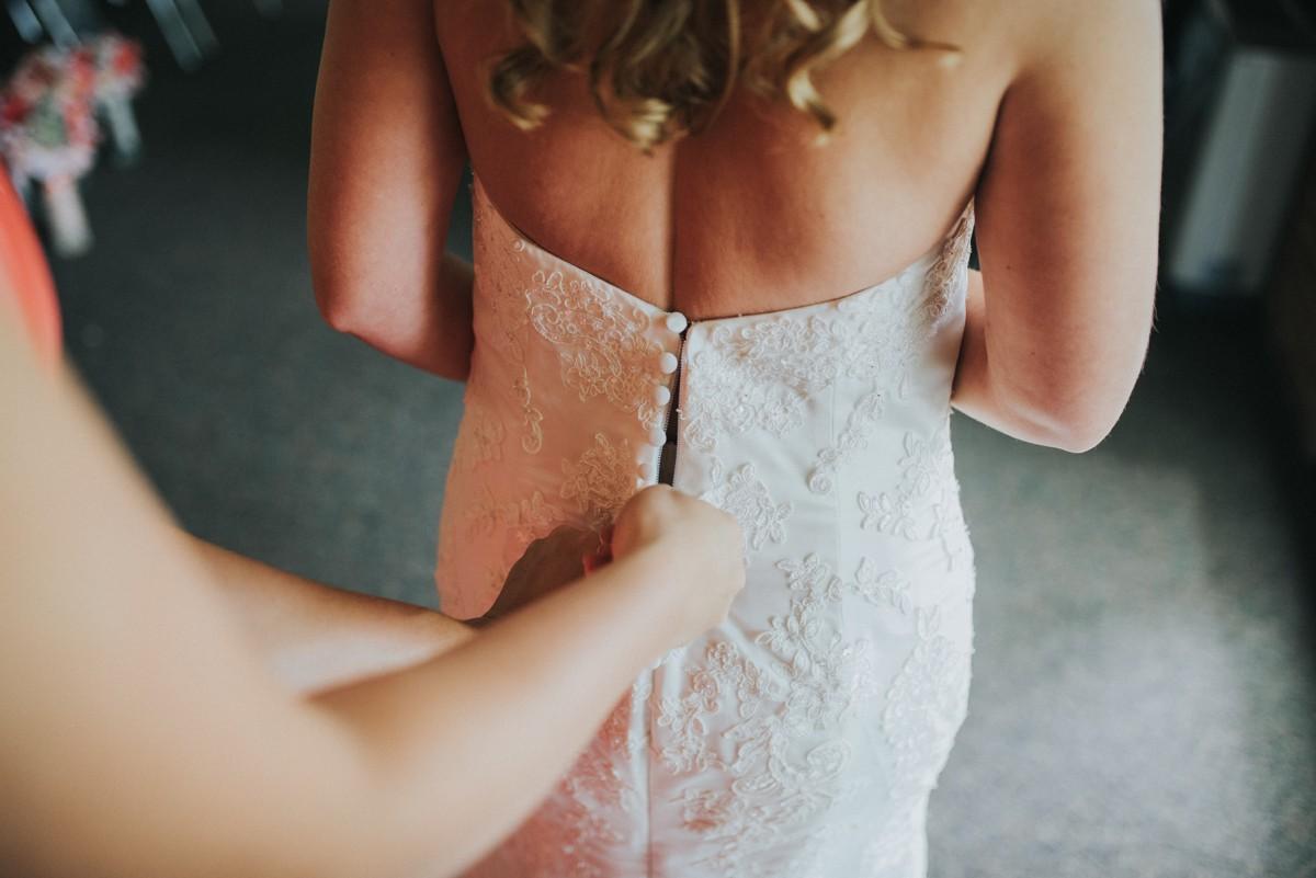 amber-and-brandon-wilmington-ohio-wedding_0048.jpg