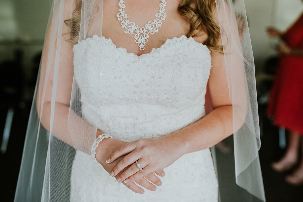 amber-and-brandon-wilmington-ohio-wedding_0051.jpg