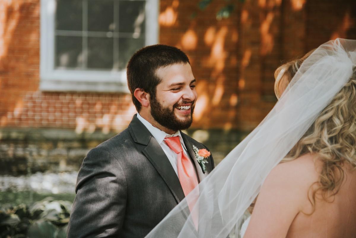 amber-and-brandon-wilmington-ohio-wedding_0010.jpg